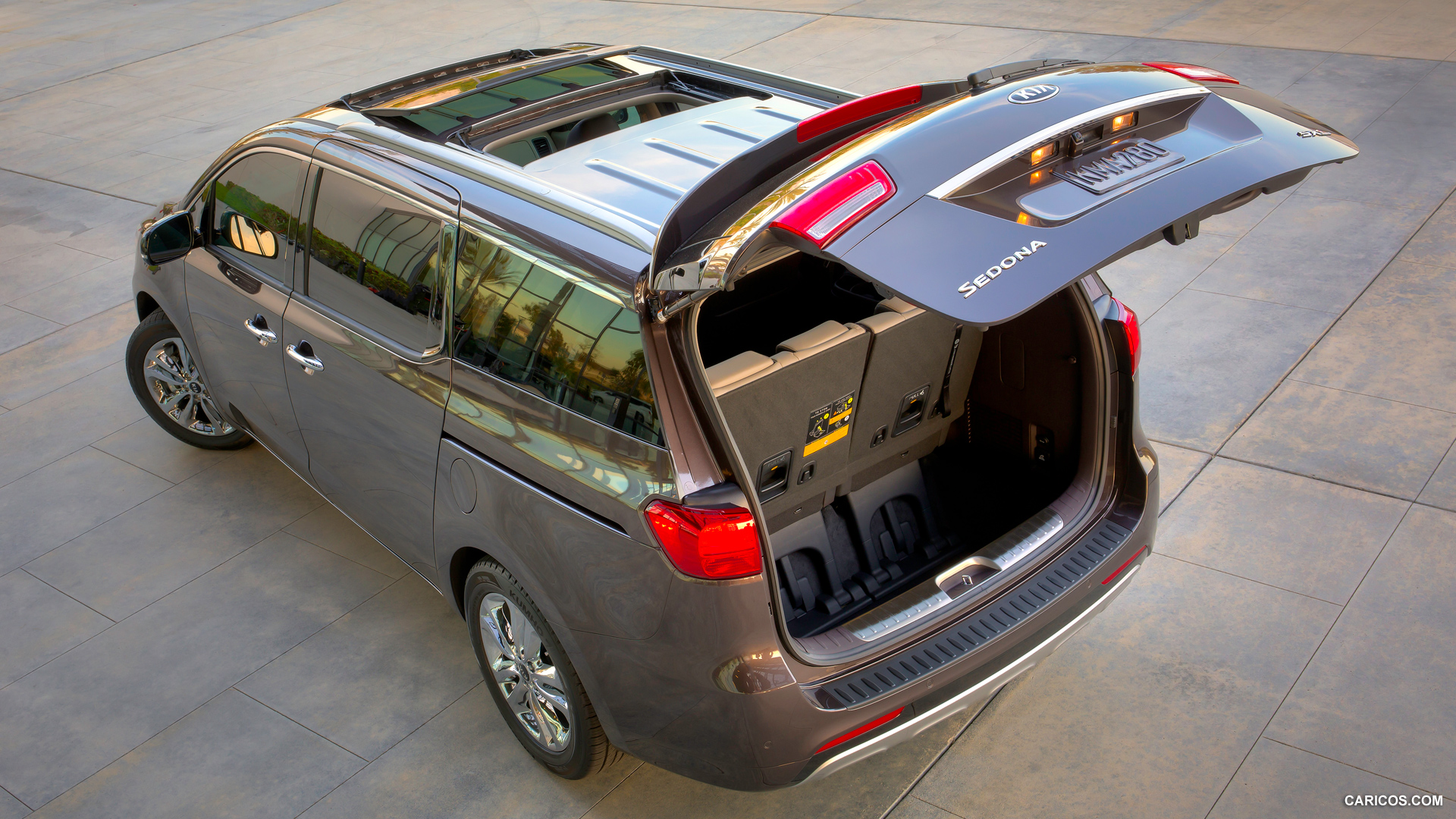 Kia Sedona photo 116654