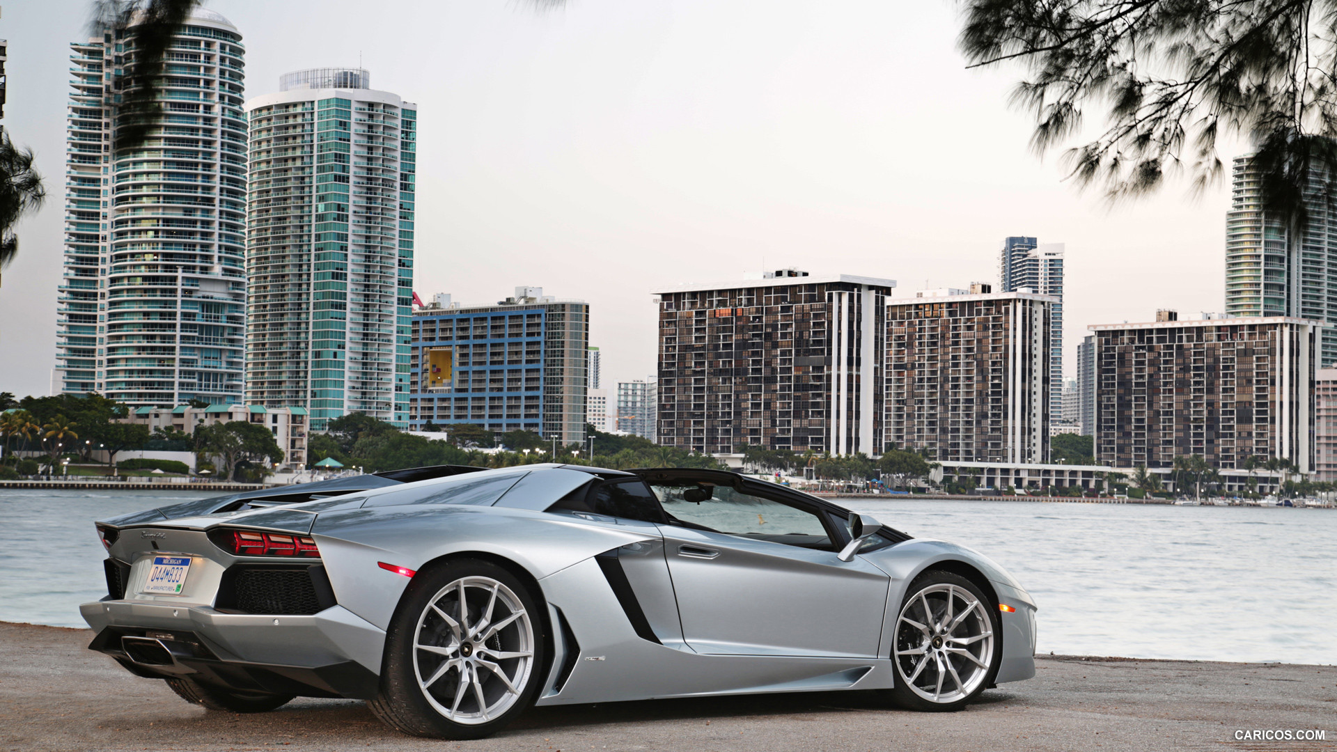 Lamborghini Aventador LP 700-4 Roadster photo 109645