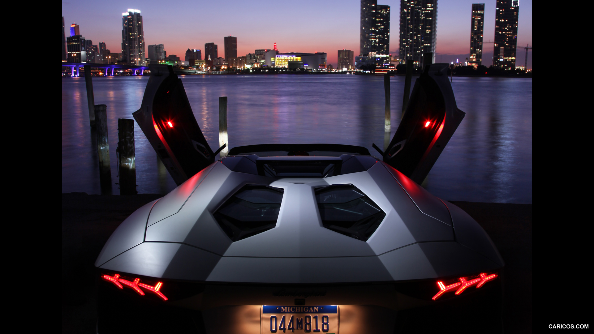 Lamborghini Aventador LP 700-4 Roadster photo 109650