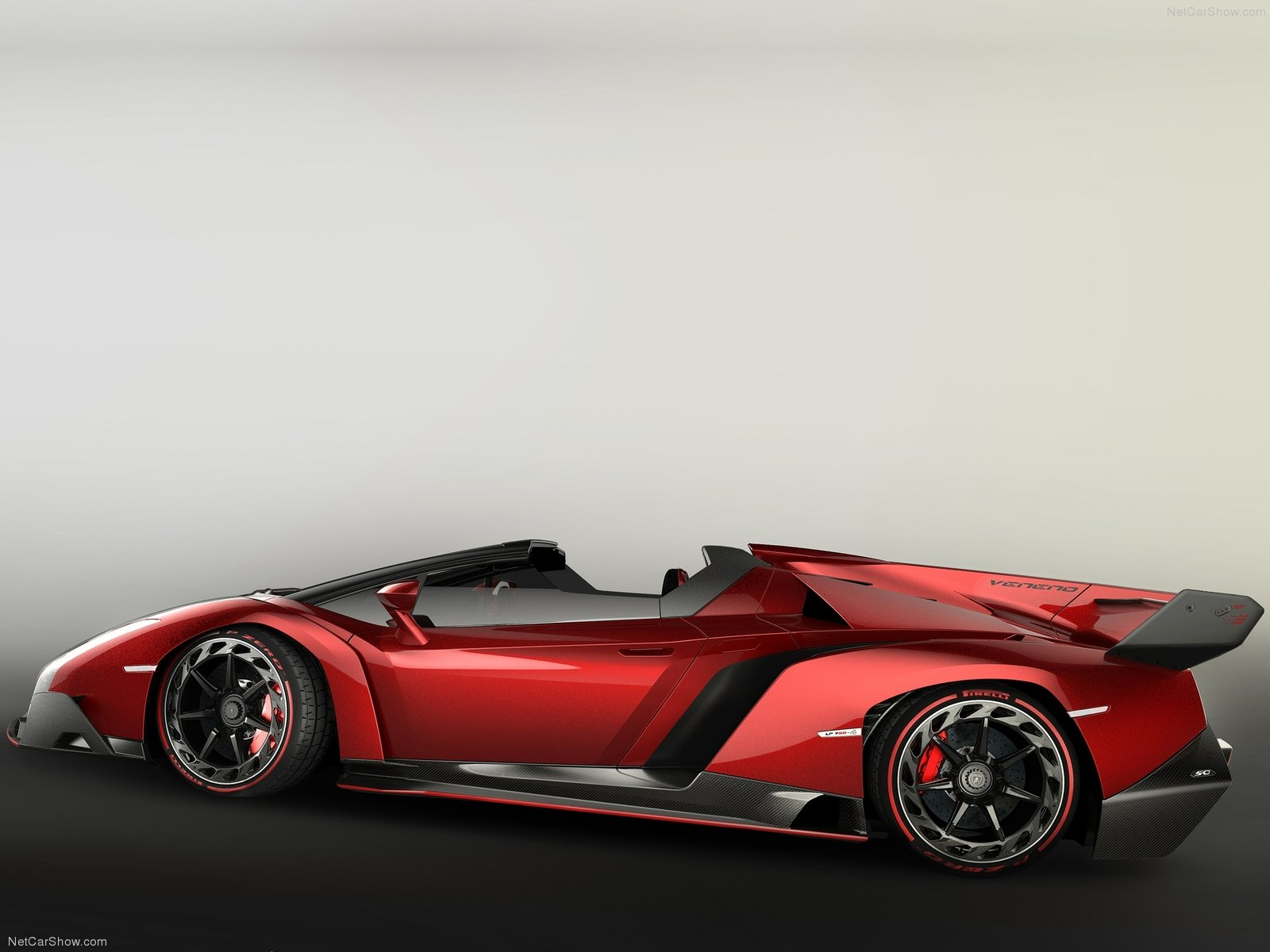 Lamborghini Veneno Roadster photo 107535