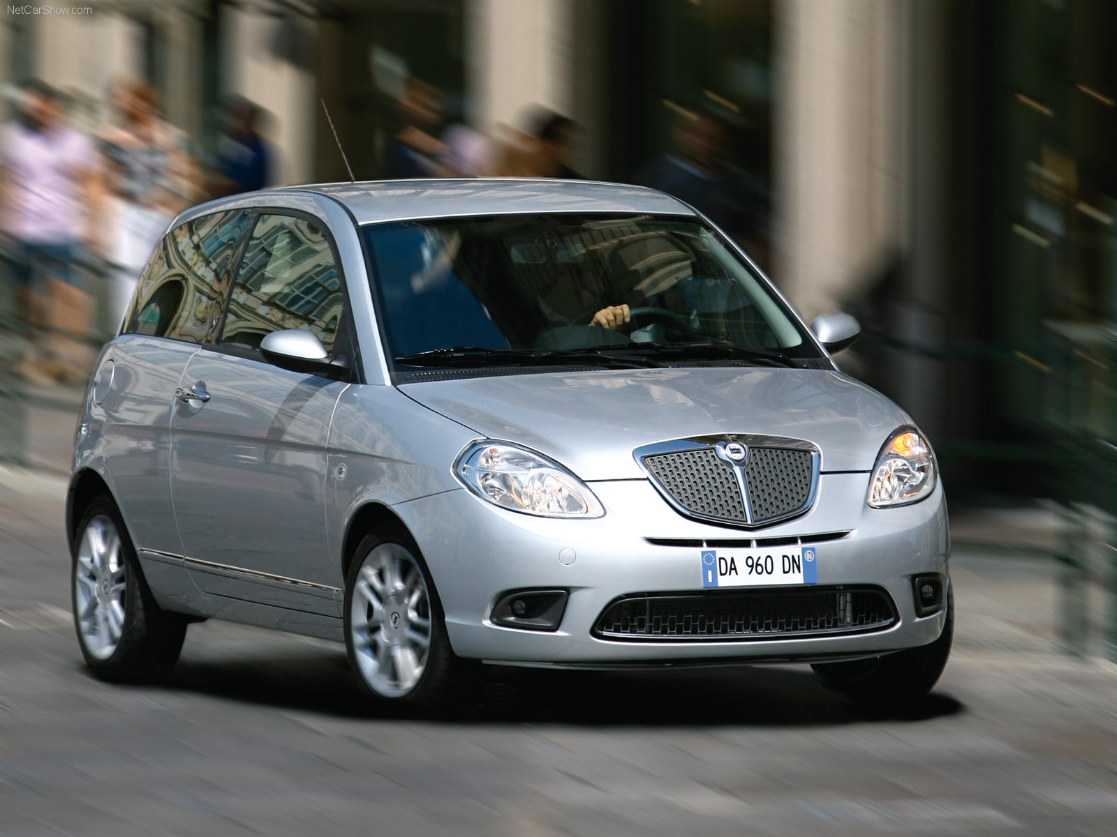 Lancia Ypsilon photo 38137