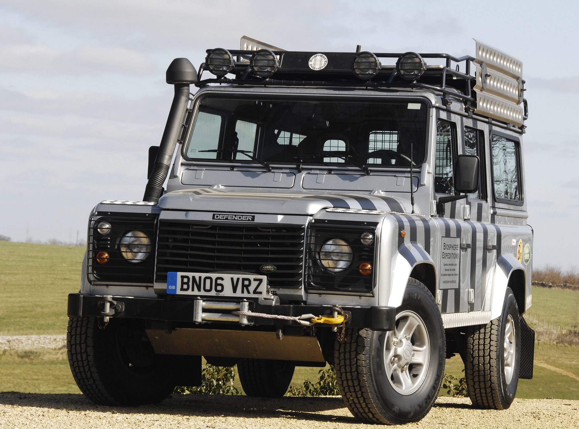 Land Rover Defender 110 photo 82113
