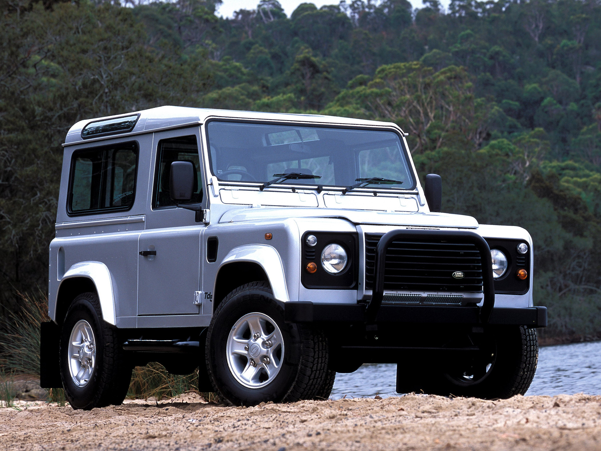 Land Rover Defender 90 photo 94017