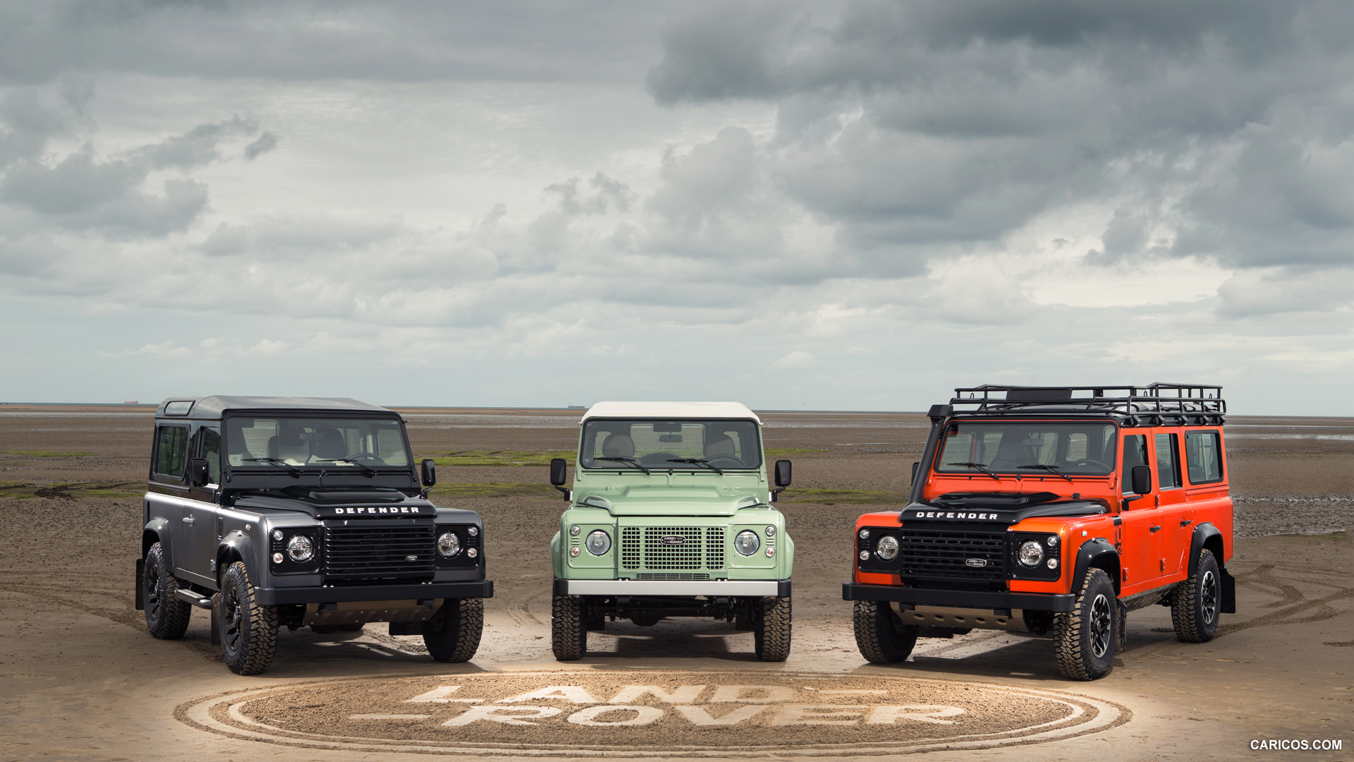 Land Rover Defender photo 136224
