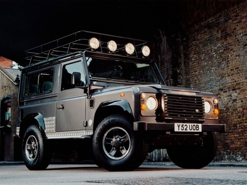 Land Rover Defender photo 150