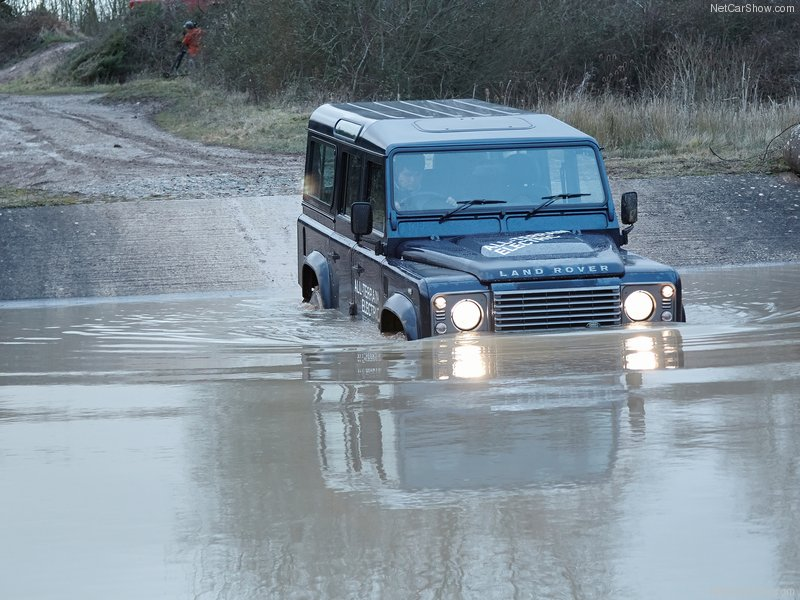 Land Rover Defender photo 99342