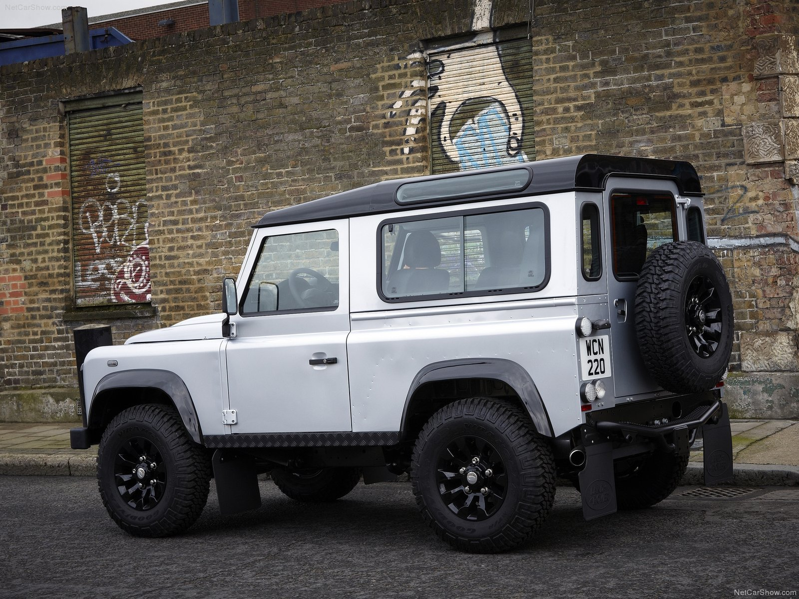 Land Rover Defender X-Tech photo 77799