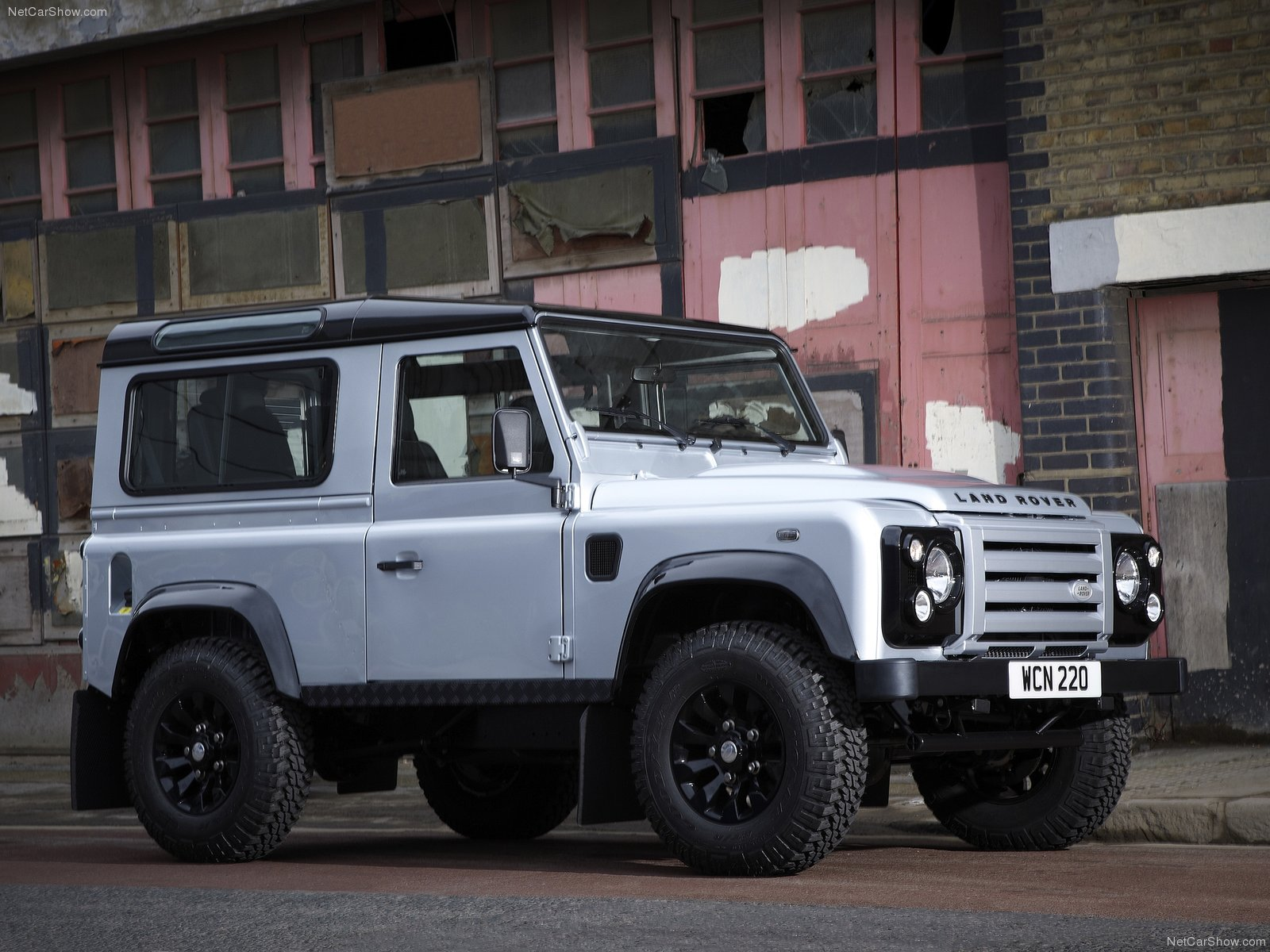 Land Rover Defender X-Tech photo 77805