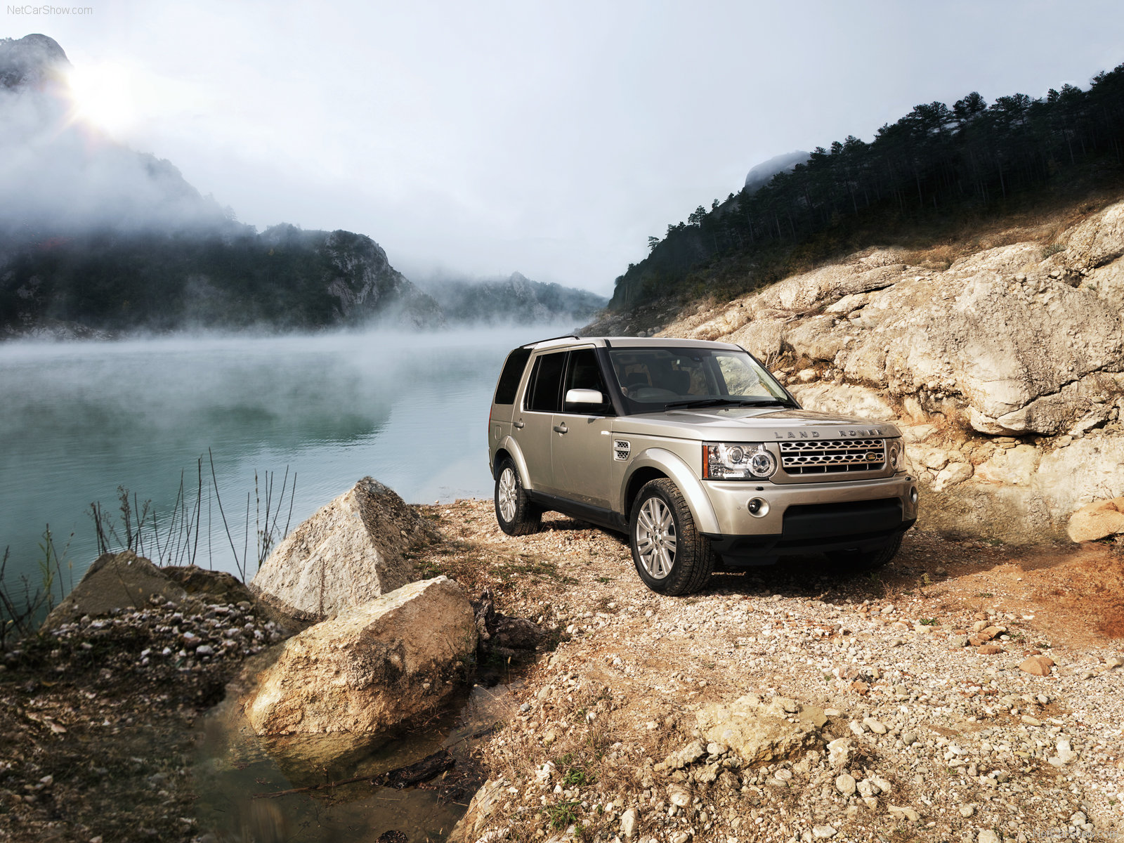 Land Rover Discovery photo 105360