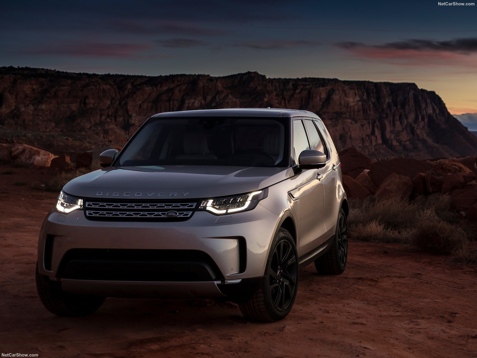 Land Rover Discovery photo 180302