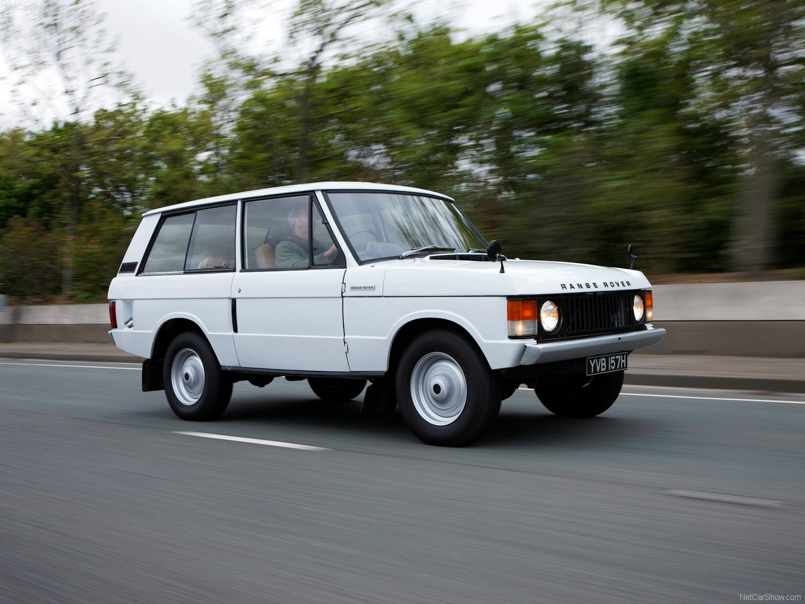 Land Rover Range Rover Classic photo 74095