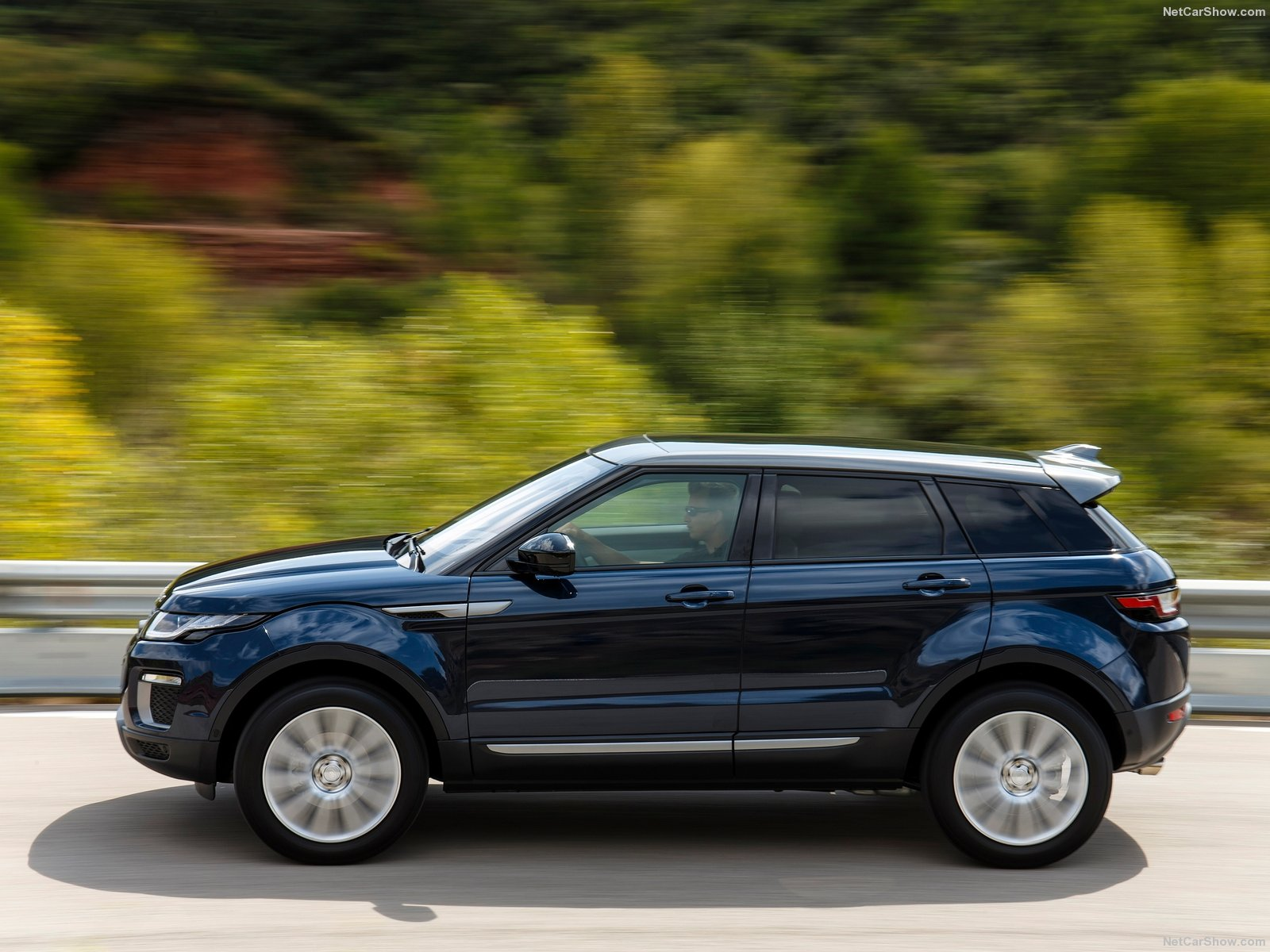 Land Rover Range Rover Evoque photo 151108