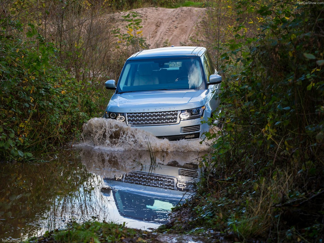 Land Rover Range Rover Hybrid photo 144942