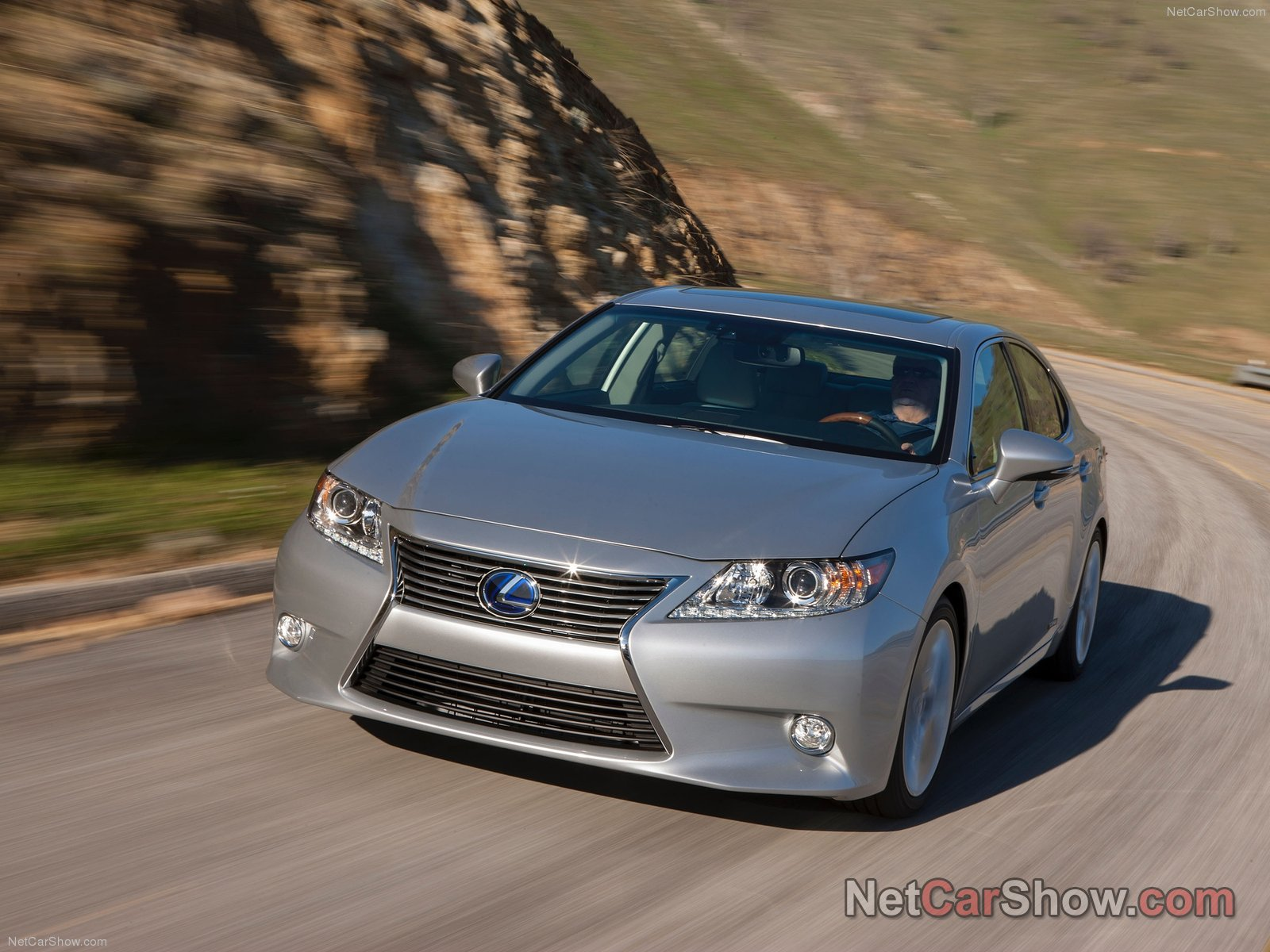 Lexus ES 300h photo 90714