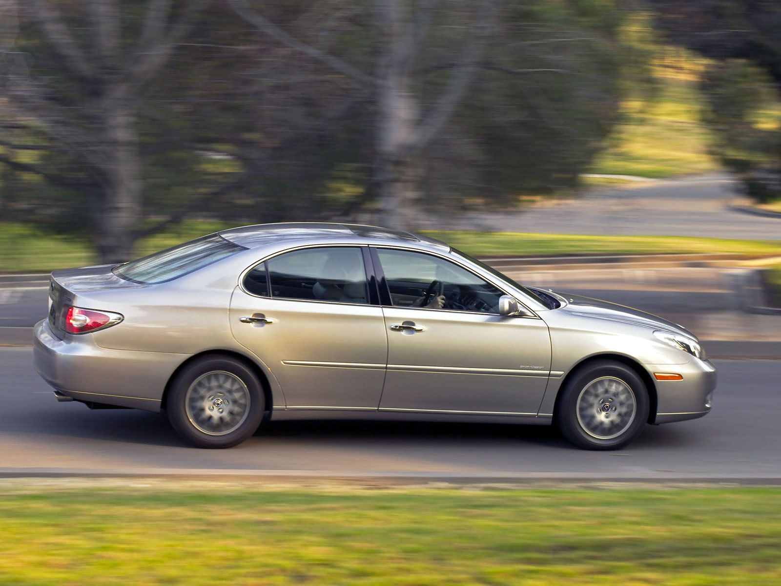 Lexus ES photo 7952