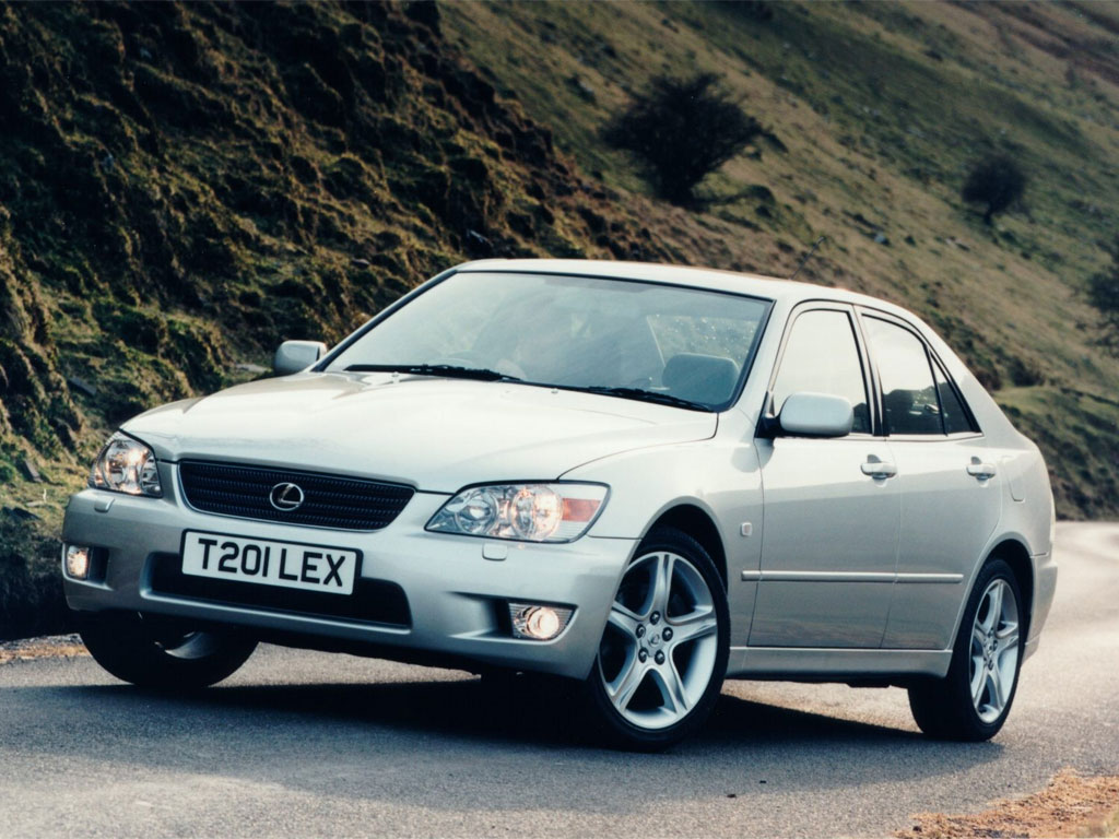 Lexus IS 200 photo 130