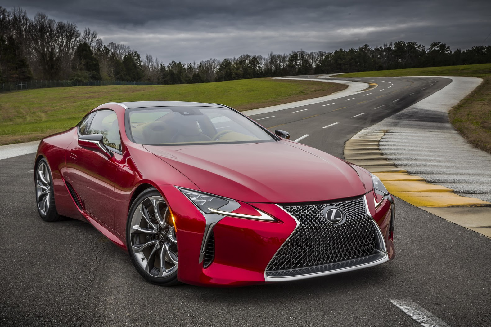 Lexus LC 500 photo 158376