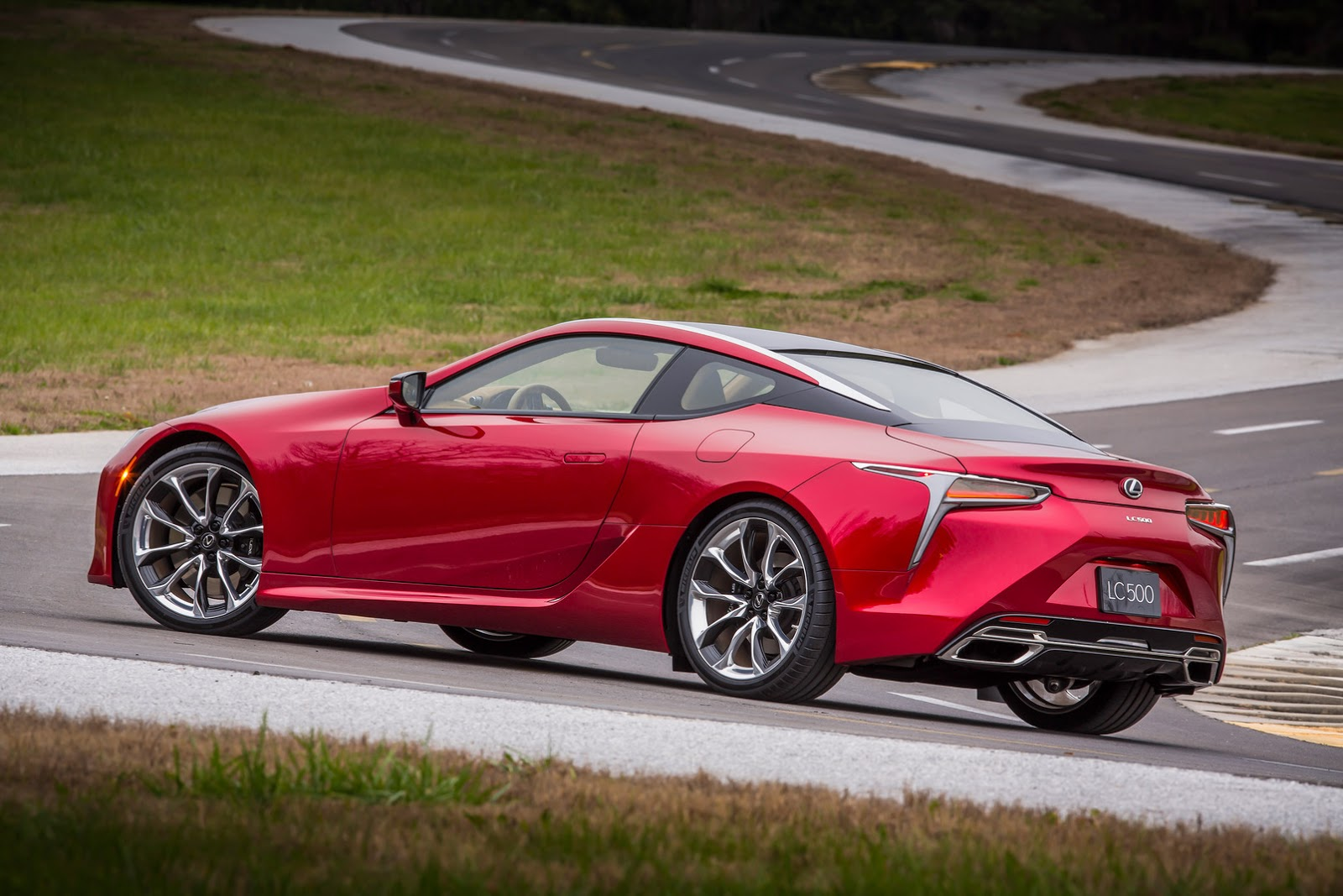 Lexus LC 500 photo 158393