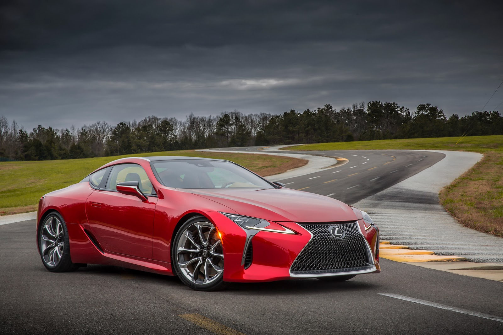 Lexus LC 500 photo 158402
