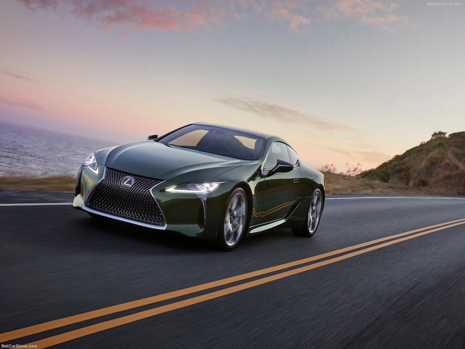 Lexus LC 500 photo 196308