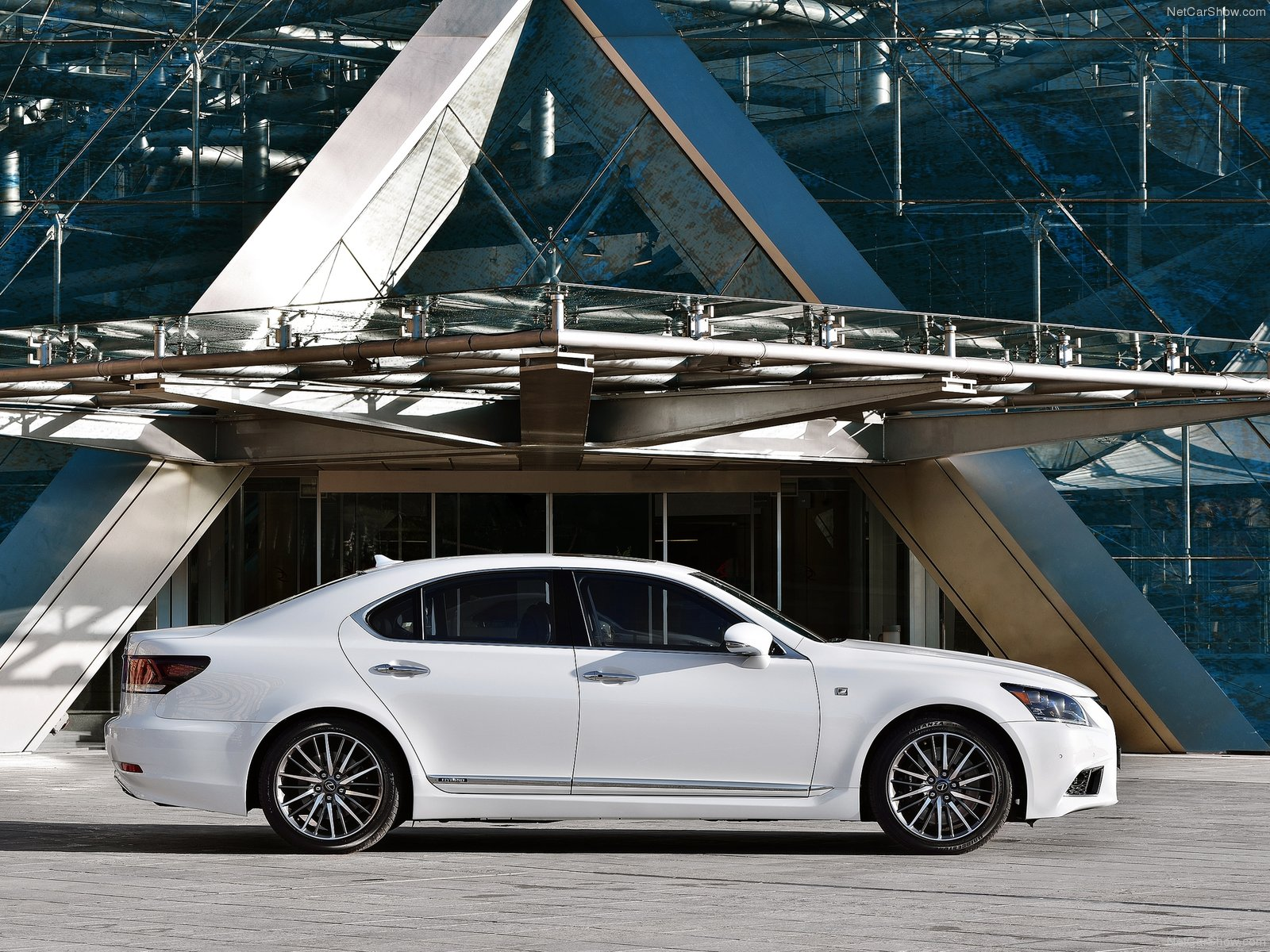 Lexus LS EU-Version photo 116209