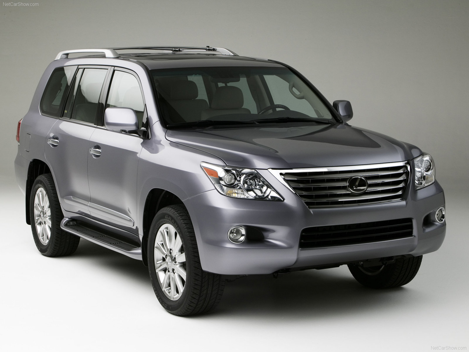 Lexus LX 570 photo 42853