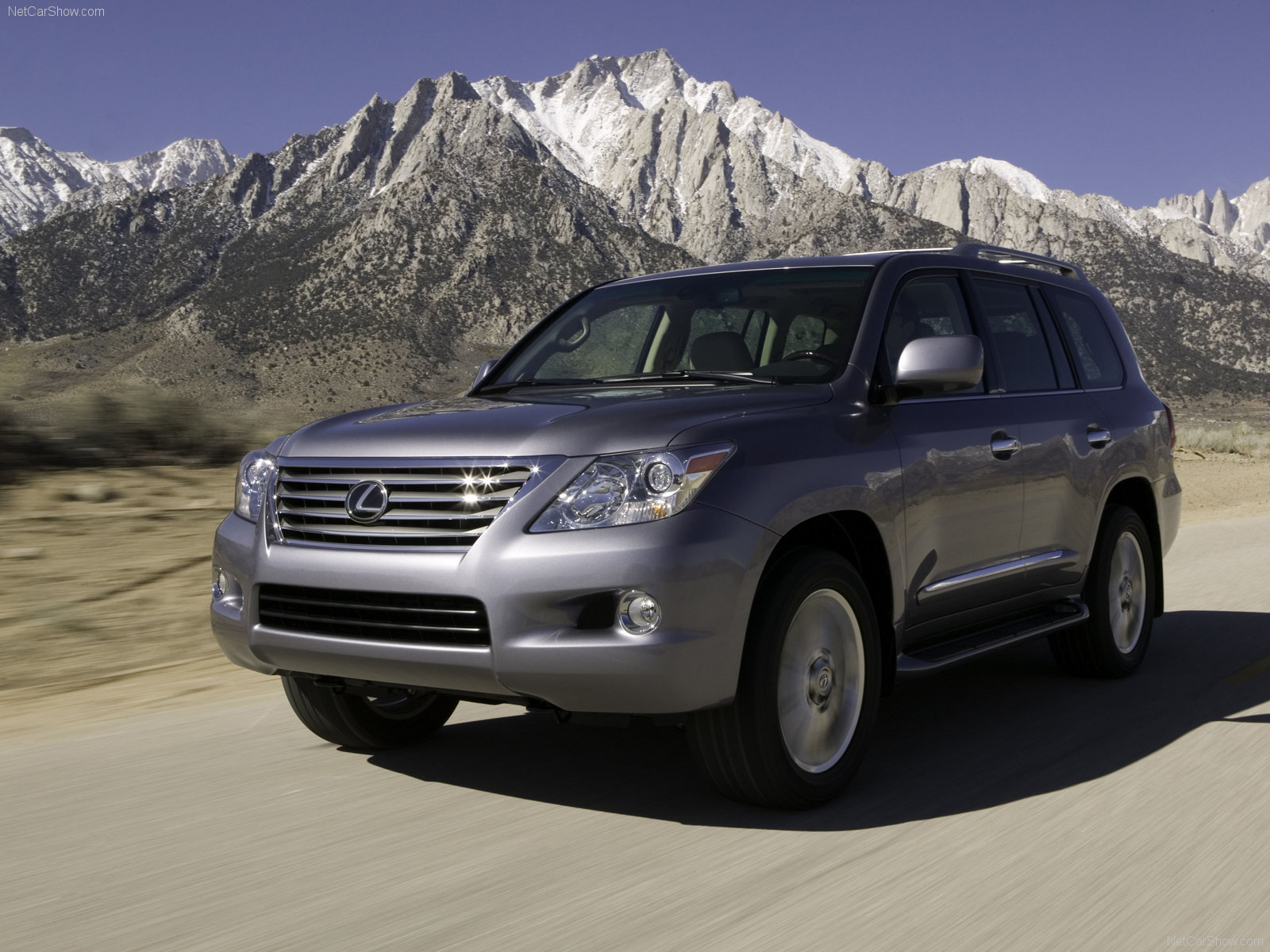 Lexus LX 570 photo 42855