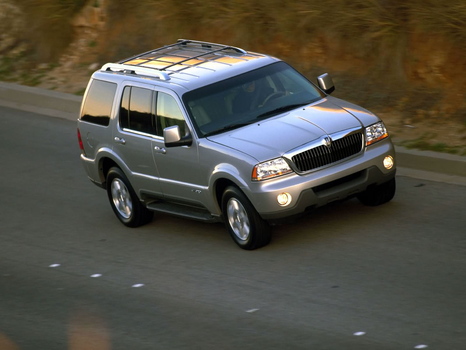 Lincoln Aviator photo 7438
