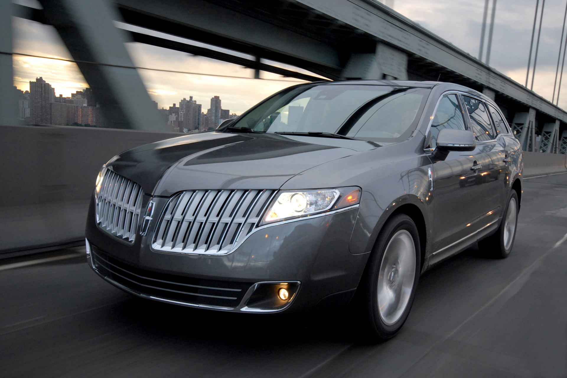 Lincoln MKT photo 66750