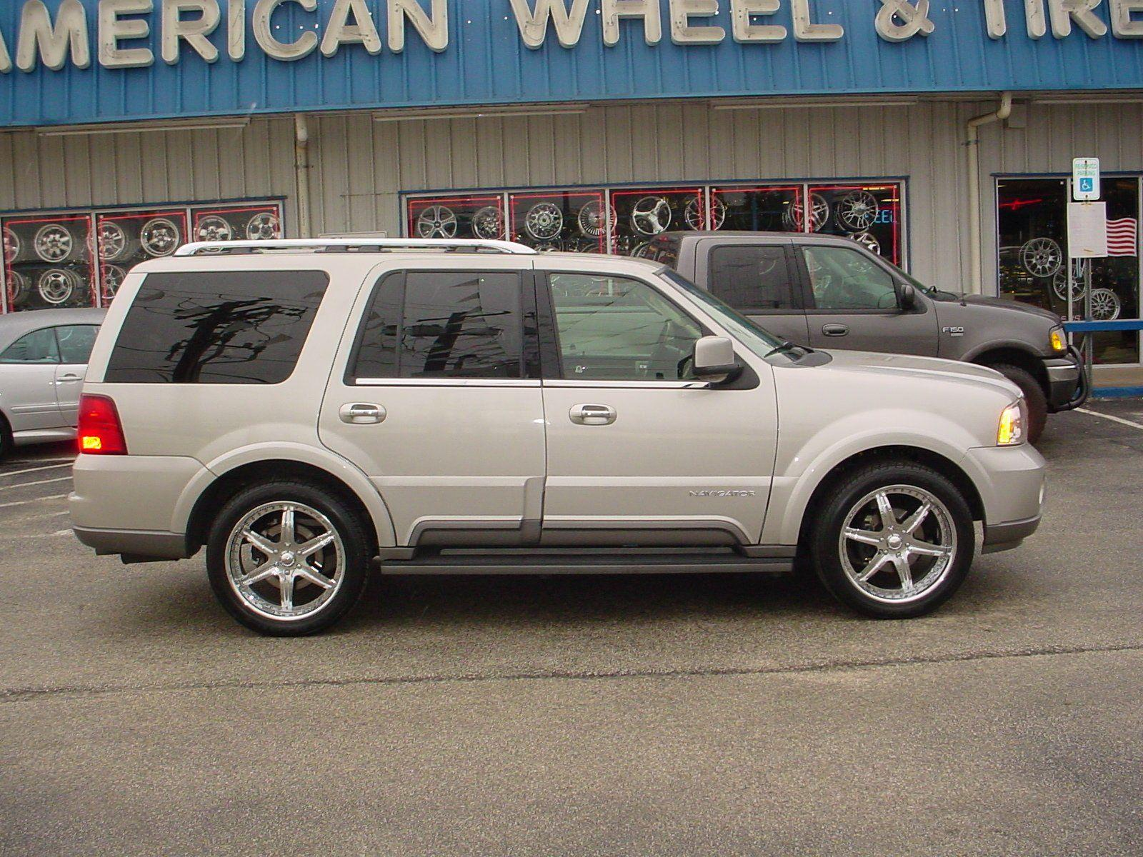 Lincoln Navigator photo 25145