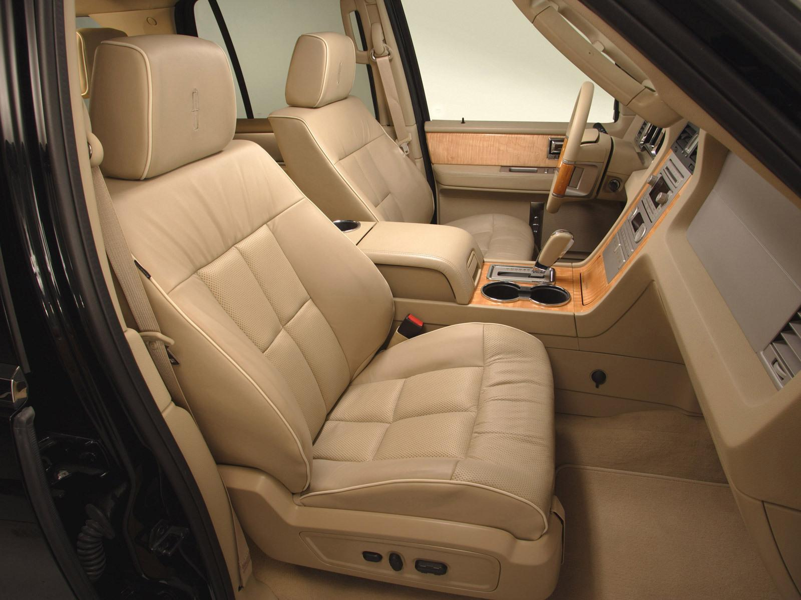 Lincoln Navigator photo 32121