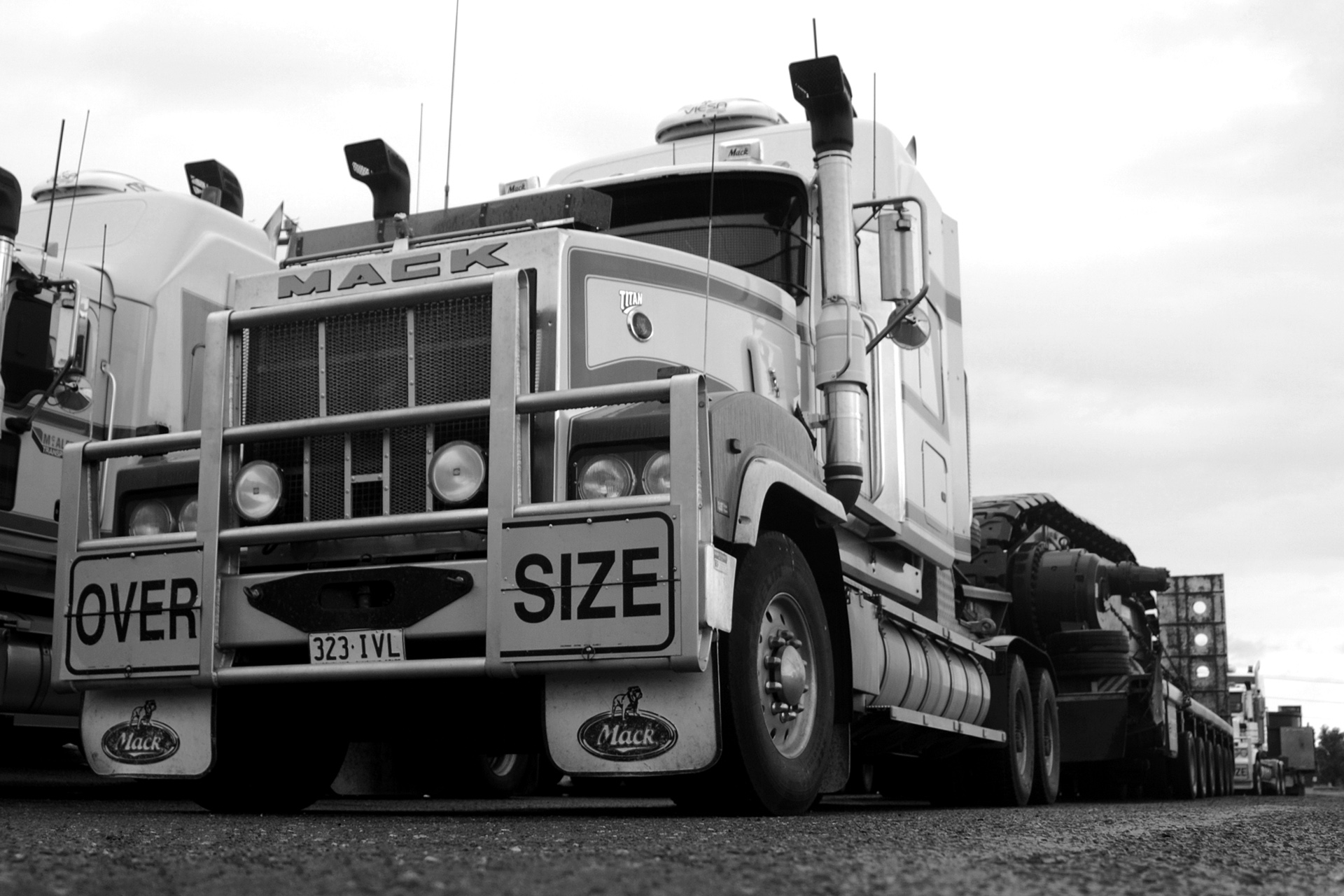 Mack Titan photo 65156