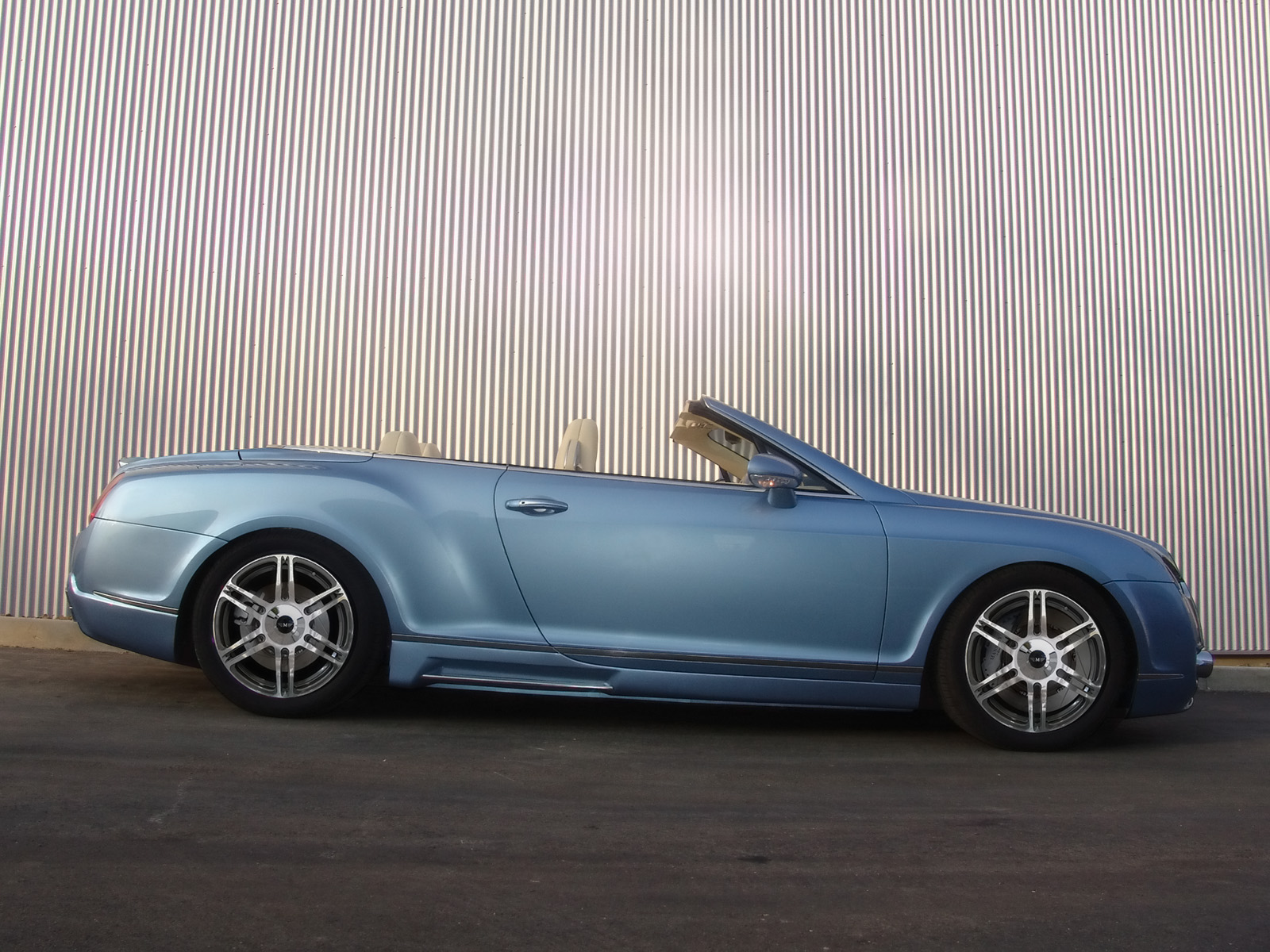 Mansory Bentley Continental GTC photo 48527