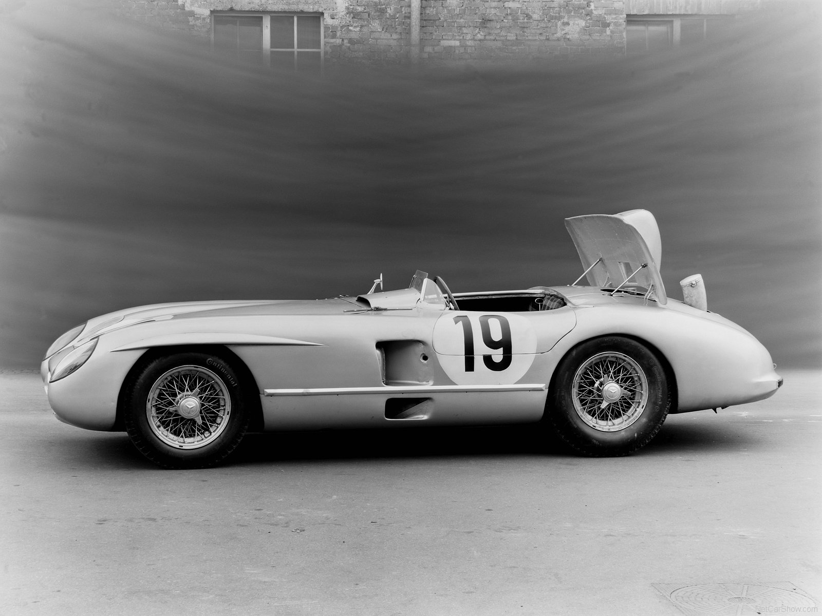 Mercedes-Benz 300 SLR photo 62441