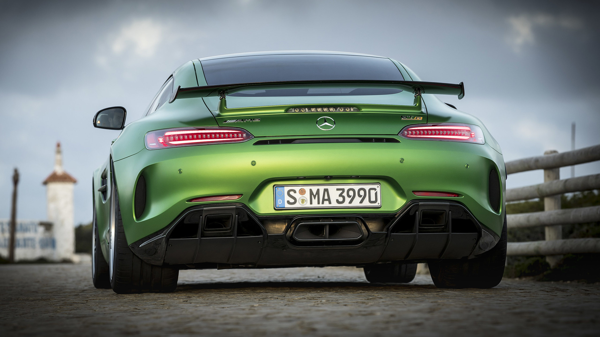 Mercedes-Benz AMG GT R photo 172773