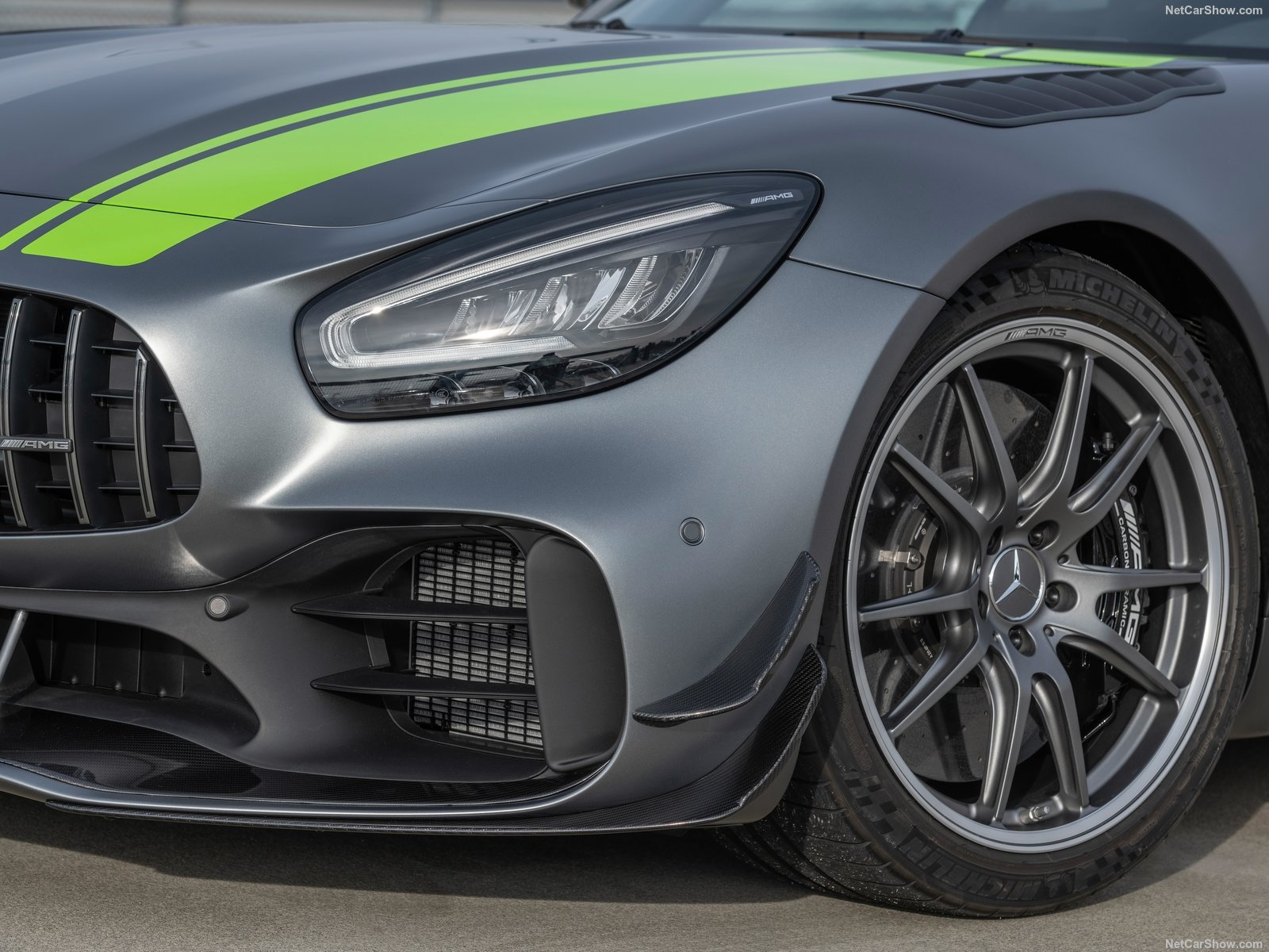 Mercedes-Benz AMG GT R photo 192726