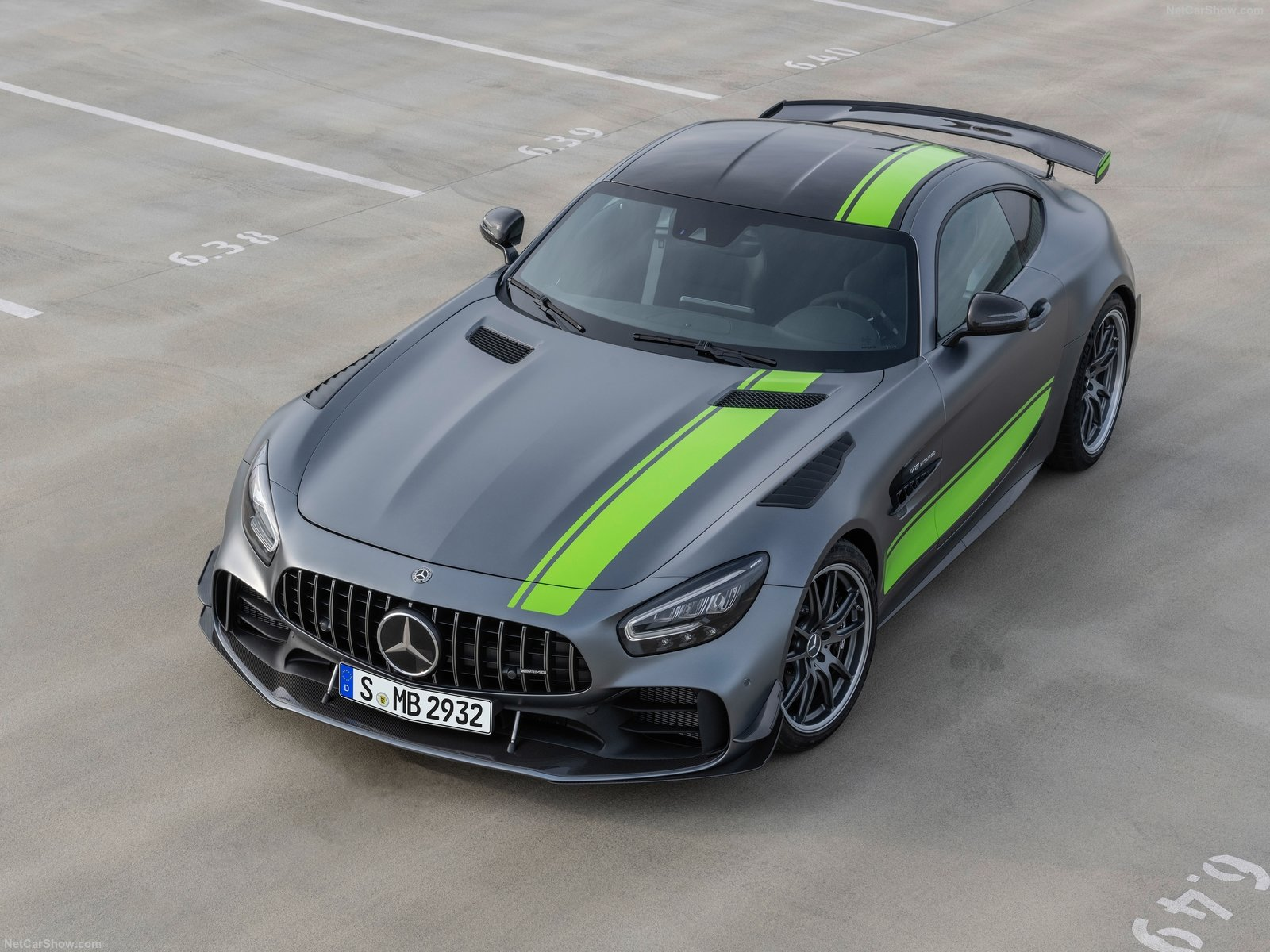 Mercedes-Benz AMG GT R photo 192738