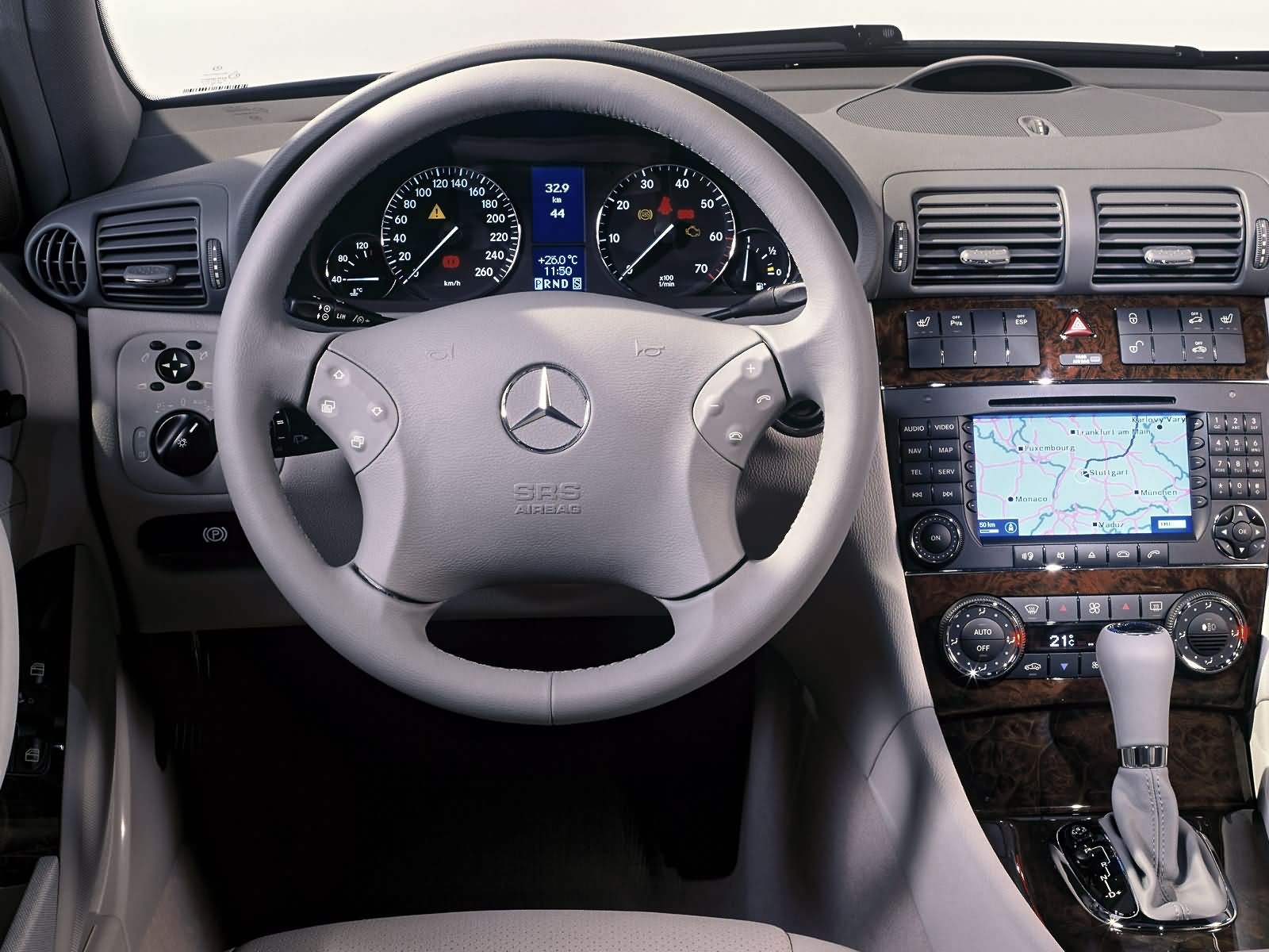 Mercedes-Benz C-Class Estate photo 10783