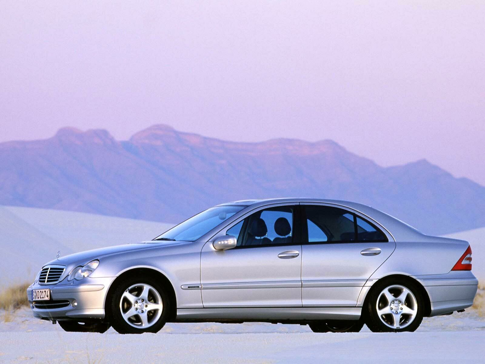 Mercedes-Benz C-Class W203 photo 10962