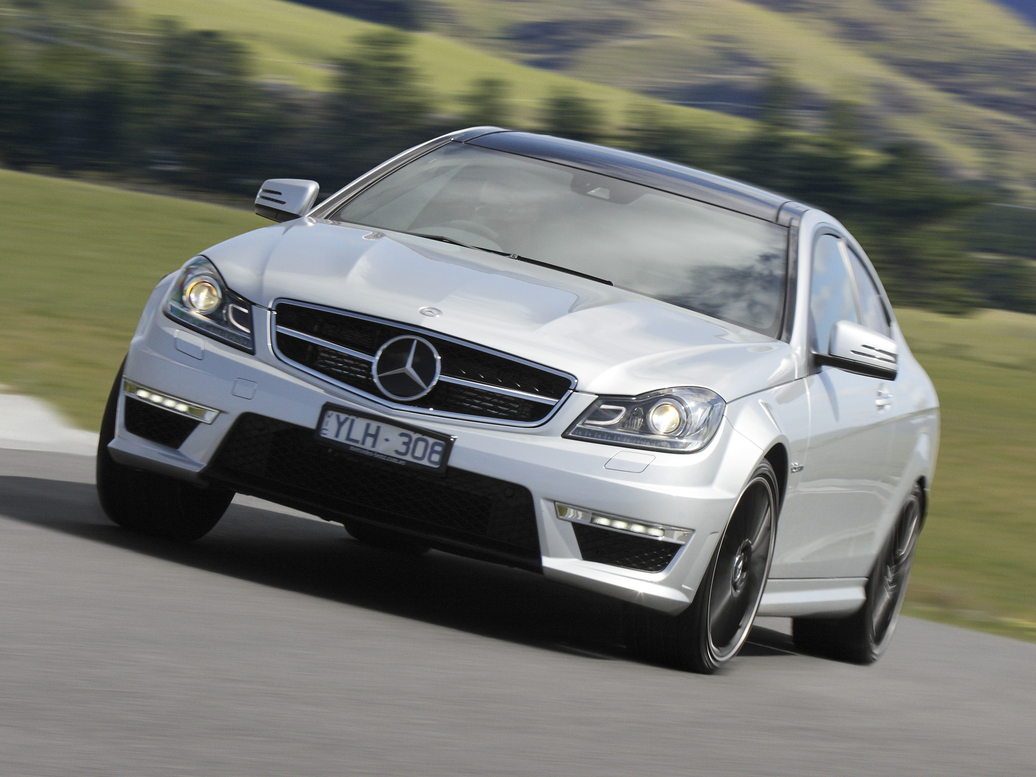 Mercedes-Benz C63 AMG Coupe photo 96461