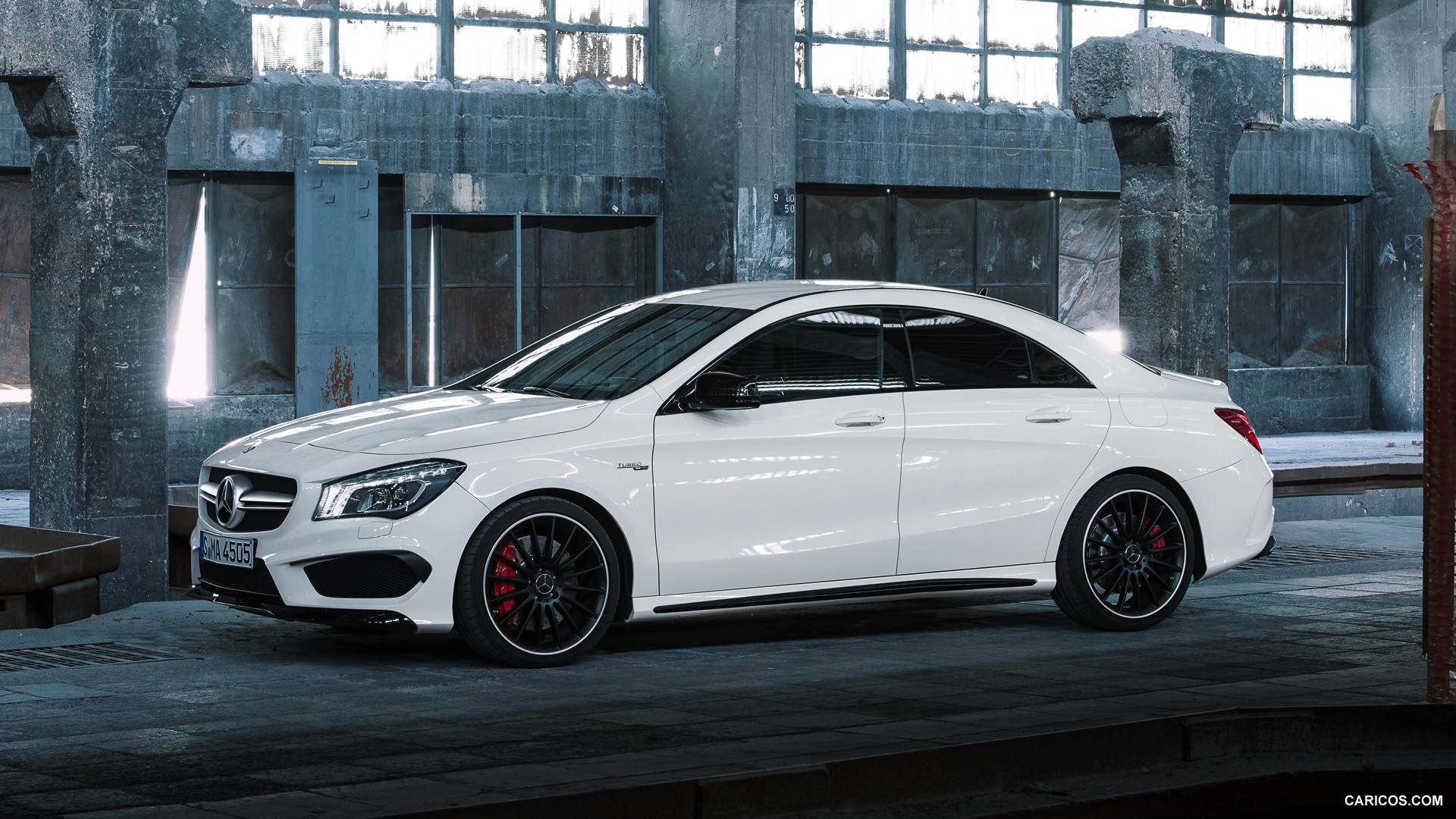 Mercedes-Benz CLA 45 AMG photo 109290