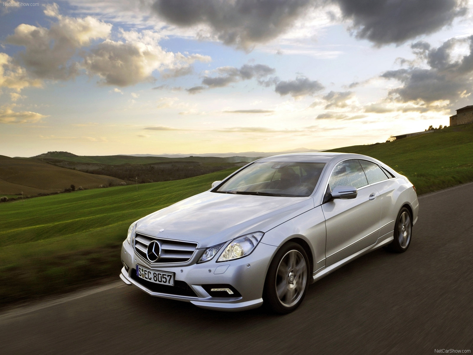 Mercedes-Benz E-Class Coupe photo 64020