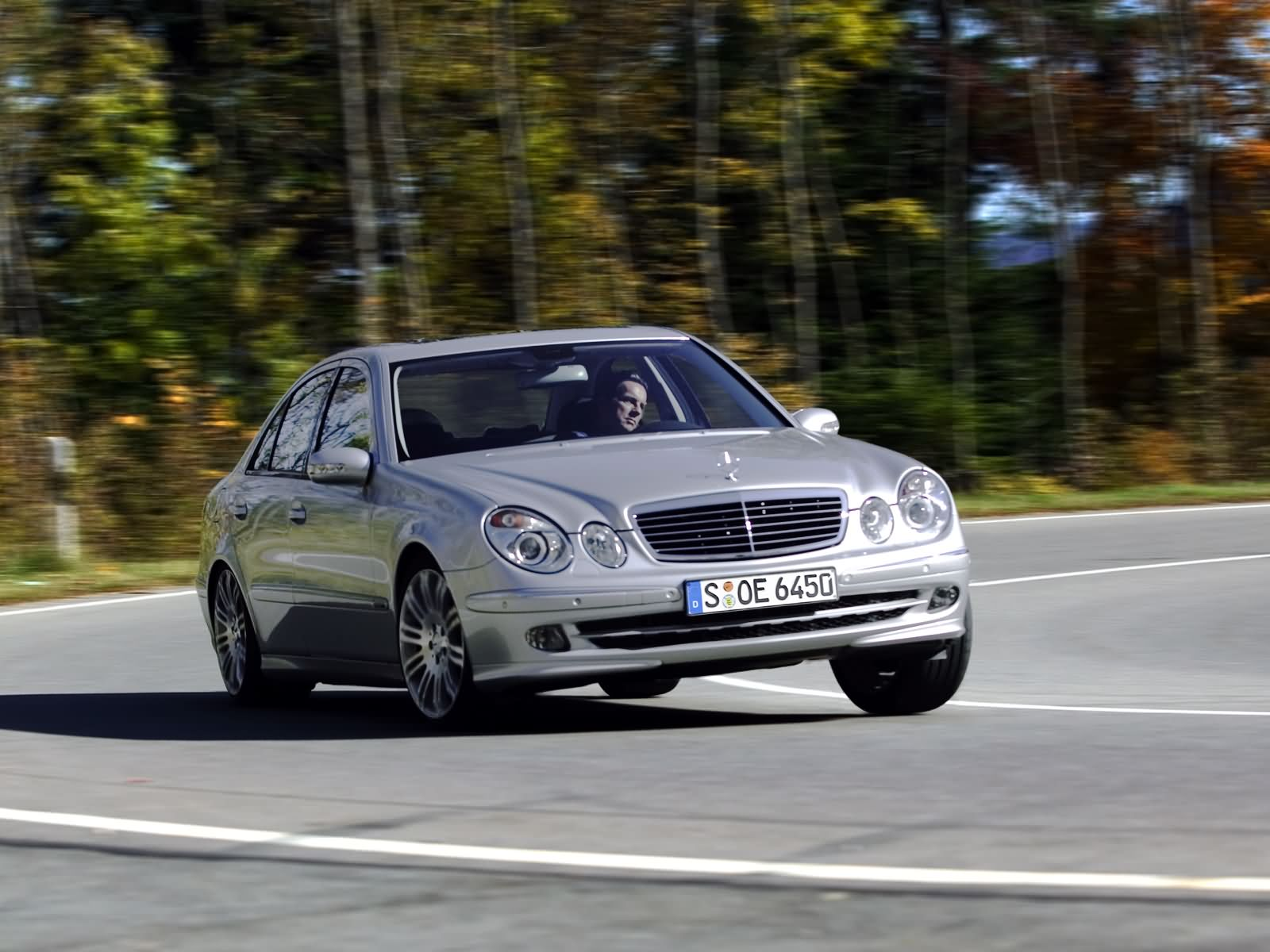 Mercedes-Benz E-Class W211 photo 17104