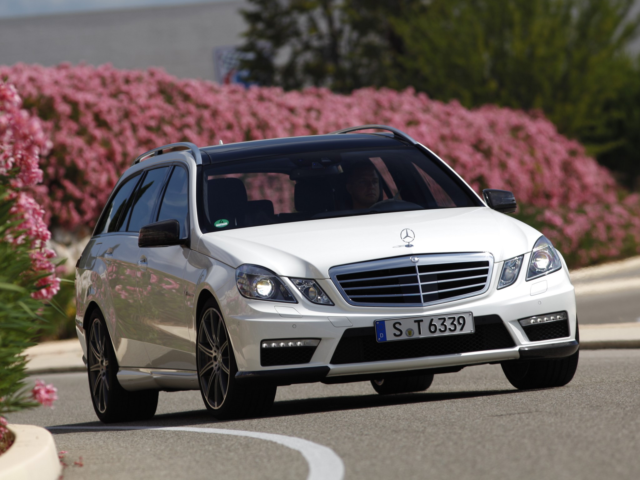 Mercedes-Benz E63 AMG Estate photo 97387