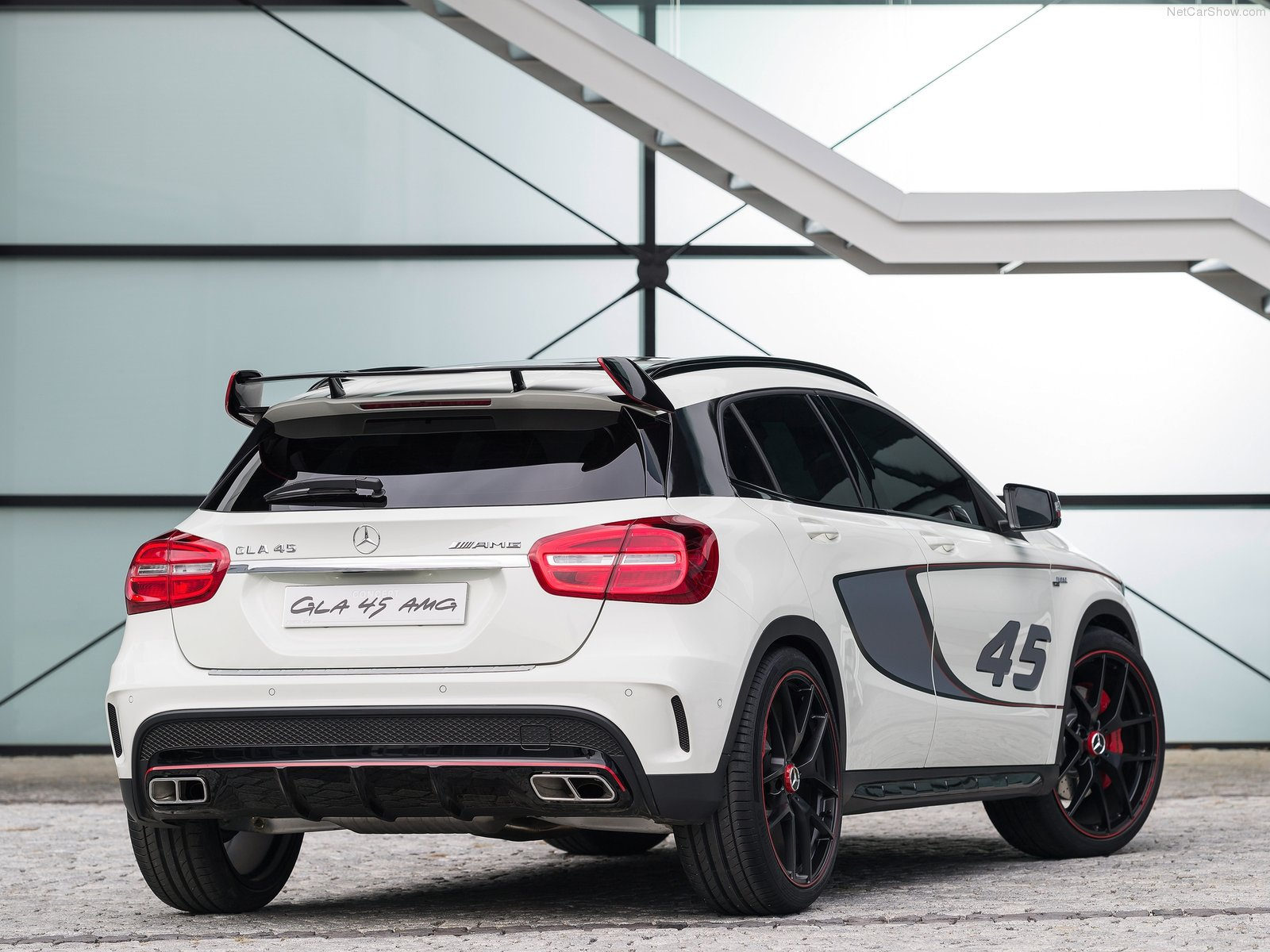 Mercedes-Benz GLA45 AMG Concept photo 107000