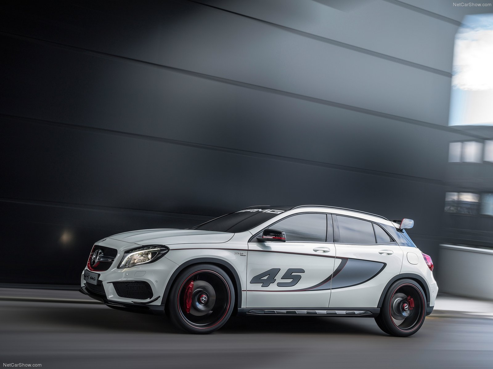 Mercedes-Benz GLA45 AMG Concept photo 107005