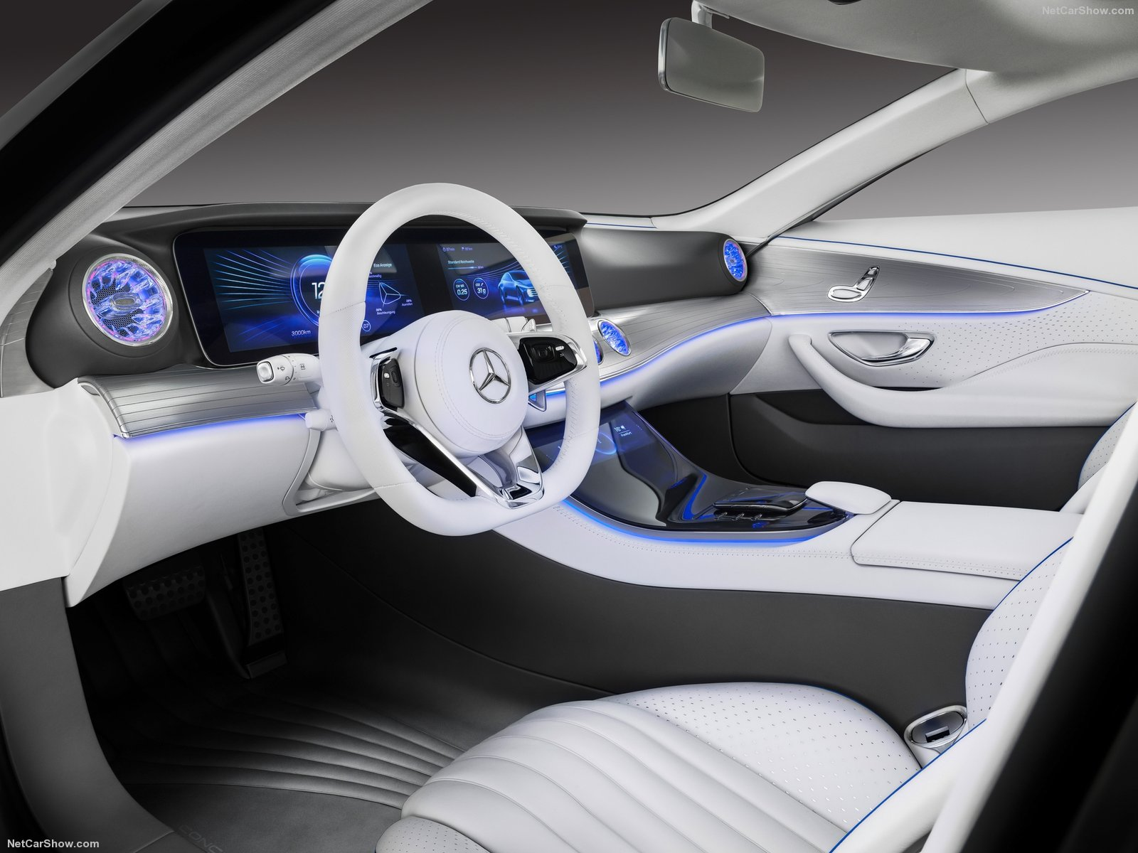 Mercedes-Benz IAA Concept photo 156262