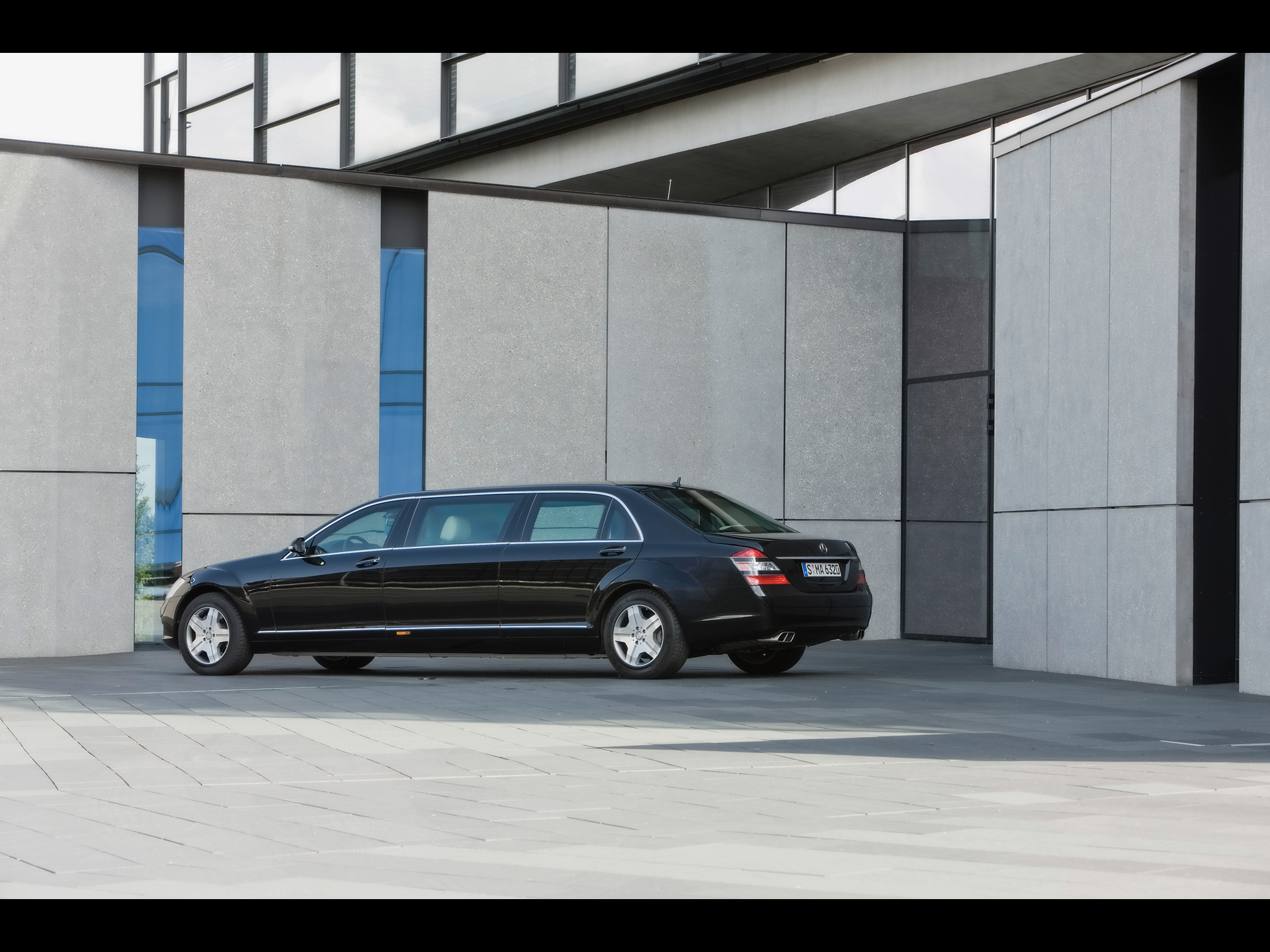 Mercedes-Benz S 600 Pullman Guard Limousine photo 58445