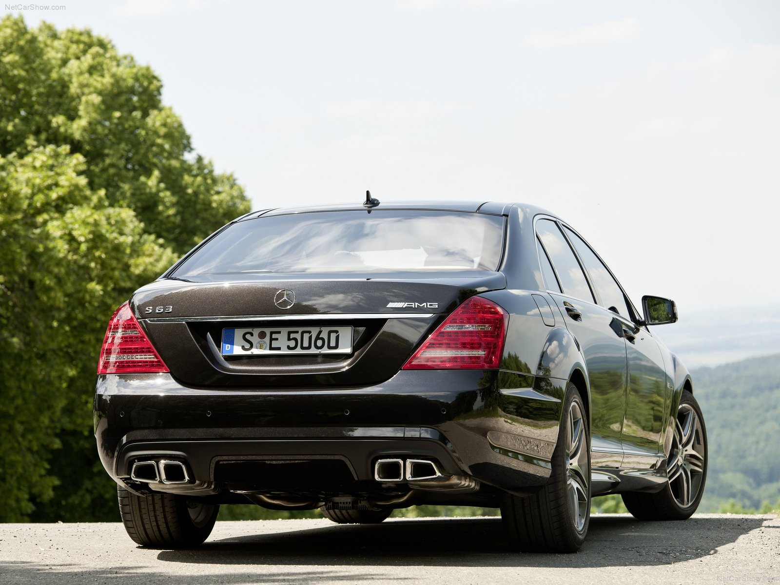 Mercedes Benz S63 AMG picture