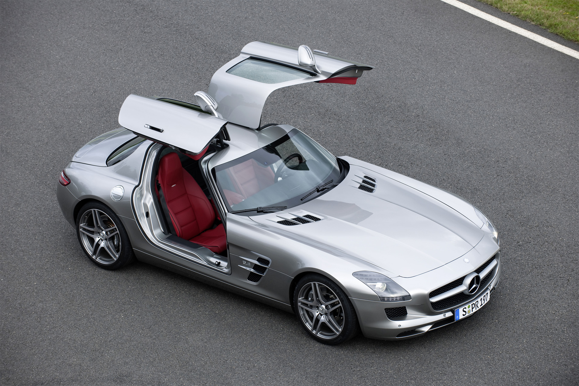 Mercedes-Benz SLS AMG photo 69056
